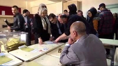 Enerji ve Tabii Kaynaklar Bakanı Fatih Dönmez, oyunu kullandı - İSTANBUL