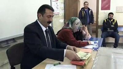 Oy sayım işlemi başladı - HAKKARİ