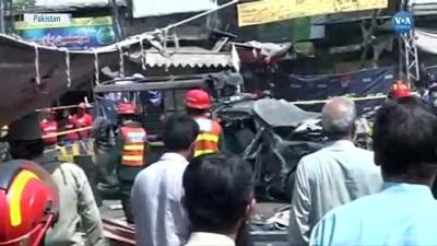 Pakistan'daki Patlamada 10 Kişi Hayatını Kaybetti