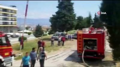 - Denizli'de eski sağlık ocağı binasında yangın