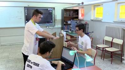Karagöz ve Hacivat'ı teknolojiyle buluşturdular - BURSA