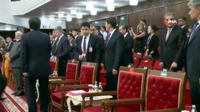 - Şangay İşbirliği Örgütü Liderler Zirvesi'nde Protokol Hatası