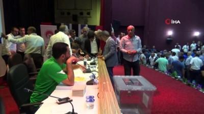 Elazığ ASKF'de başkan Mustafa Gür oldu