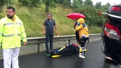 Aşırı yağış nedeniyle lüks araç takla attı: 4 yaralı