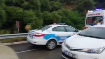 Isparta-Konya karayolu üzerinde 2 aracın çarpışması sonucu meydana gelen kazada ilk belirlemelere göre 3 kişi öldü, 1 kişi yaralandı.