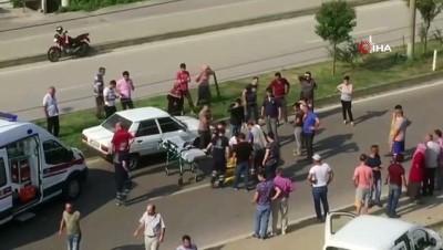 Yolun karşısına geçmek isteyen yaşlı kadına otomobil çarptı