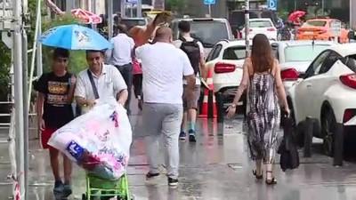 Sağanak yağış etkili oldu (2) - İSTANBUL