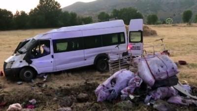 İşçileri taşıyan minibüs devrildi: 9 yaralı - DİYARBAKIR
