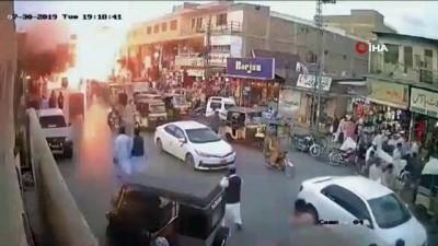 - Pakistan'daki Patlama Güvenlik Kamerasında