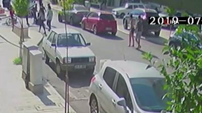Yola aniden çıkan bisikletli çocuğa otomobiliyle böyle çarptı