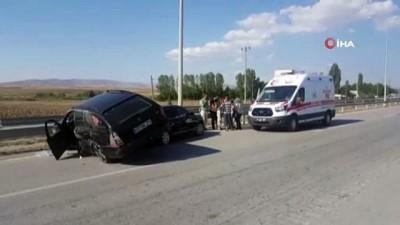 Çorum'da otomobiller çarpıştı: 4 yaralı