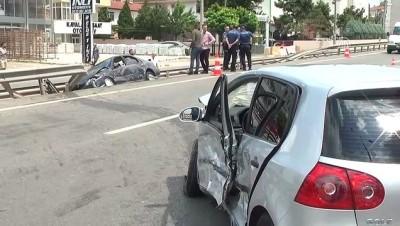 İki otomobil çarpıştı: 3 yaralı - KOCAELİ