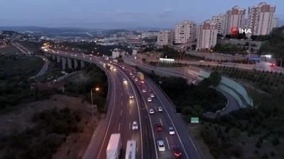 TEM Otoyolu'ndaki bayram trafiği havadan görüntülendi