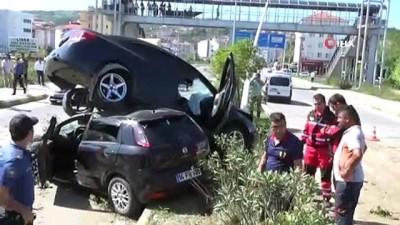 Bartın'da iki araç birbirine girdi: 10 yaralı