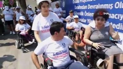 Belediye Başkanını tekerlekli sandalye ile görenler şoke oldu