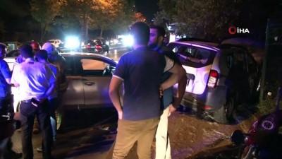 Sarıyer'de iki otomobilin çarpıştığı kazada 5 kişi yaralandı