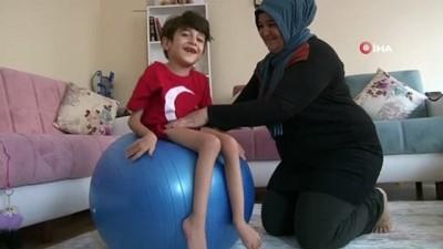 6,5 yaşındaki SMA hastası Umutcan ilaçların etkisiyle adeta canlandı