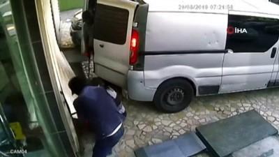 Lastik ve akü çalan hırsızlara polisten suçüstü...Hırsızlık anları kamerada