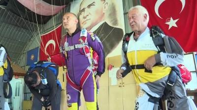 Gökyüzü 'Deli Anlılar' grubuyla şenlendi - İZMİR