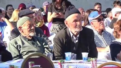 Bolu'da, huzurevi bahçesinde yaşlılar için konser düzenlendi