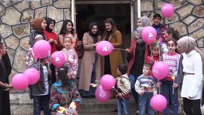 Cumhuriyet Bayramı'nda açtıkları kütüphane ile çocukların yüzü güldü - ERZURUM
