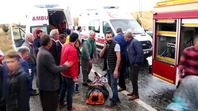 Yolcu minibüsü devrildi: 13 yaralı (2) - ADIYAMAN