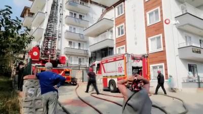 İzmit'te onarım çalışması yapılan evin çatısında yangın çıktı