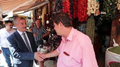 Başkan Mehmet Tahmazoğlu, esnafı ziyaret etti