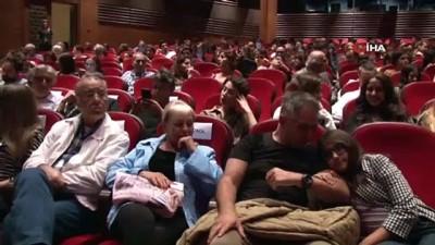 Beşiktaş'ta sergilenen tiyatronun geliri Mehmetçik Vakfı'na bağışlanacak