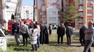 İtfaiye erinin Türk Bayrağı hassasiyeti