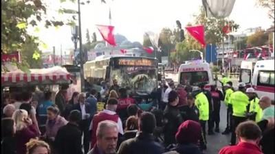 Beşiktaş'ta otobüs durağa daldı