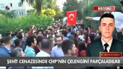 Şehit cenazesinde CHP'nin çelengini parçaladılar