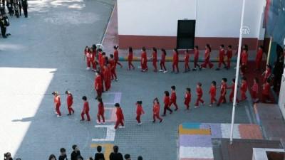 İlkokul öğrencilerinden 10 Kasım koreografisi - ADANA