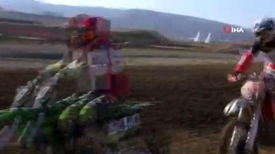 Afyonkarahisar'da Türkiye Motokros Şampiyonası başladı
