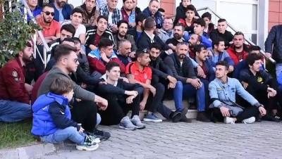 Trabzonspor taraftarlarından hakemlere 'sessiz' protesto - TRABZON