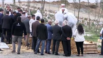 Evlerinde ölü bulunan 4 kardeşin cenazesi defnedildi - İSTANBUL