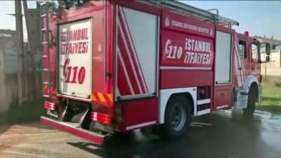 Tuzla'da fabrikada çıkan yangın söndürüldü - İSTANBUL