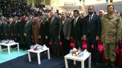 AK Parti Genel Başkan Yardımcısı Kaya, kirvelik yaptı