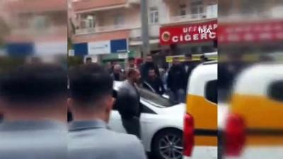 Kendisine yol vermeyen taksi sürücüsüne kurşun yağdırdı