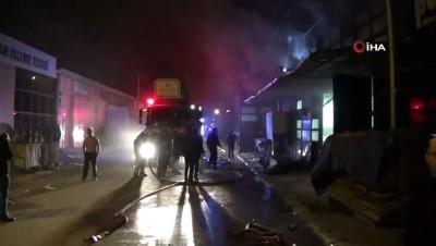 İnegöl'de ahşap fabrikasında yangın