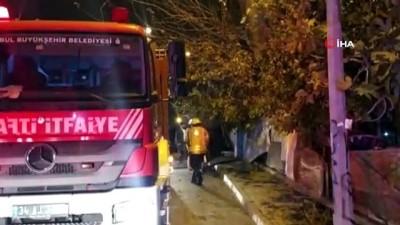 Başakşehir'de gecekonduda yangın