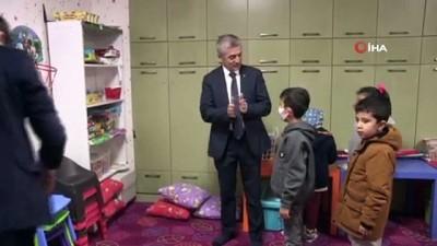Tahmazoğlu'ndan hastalara moral ziyareti