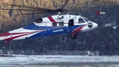 Uludağ'da 9 gündür kayıp 2 dağcıya ait olduğu iddia edilen baton bulundu