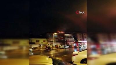Malatya'da korkutan çatı yangını