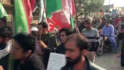 - Pakistan'da Şii gruplardan ABD karşıtı yürüyüş