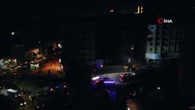 Yıkılma tehlikesi olan 5 katlı bina kontrollü olarak yıkılıyor
