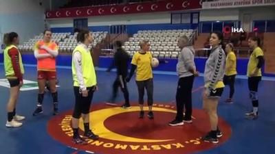 Kastamonu Belediyespor, DVSC Schaeffler maçı hazırlıklarına başladı