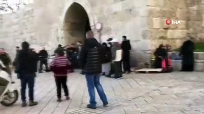 - İsrail güçlerinden Mescid-i Aksa'ya baskın - Kapılar kapatıldı, 2 Filistinli gözaltına alındı