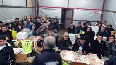 Nazilli'de depremzedeler yararına mezat düzenlendi