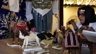 Pişmiş küçükbaş hayvanların kafa kemiklerinden yapılan oyuncak at ve develer görenleri şaşırtıyor
